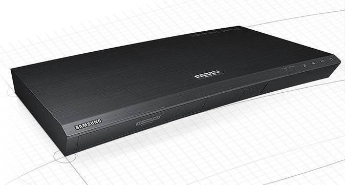 Odtwarzacz UHD Blu-ray K8500 na papierze kreślarskim.